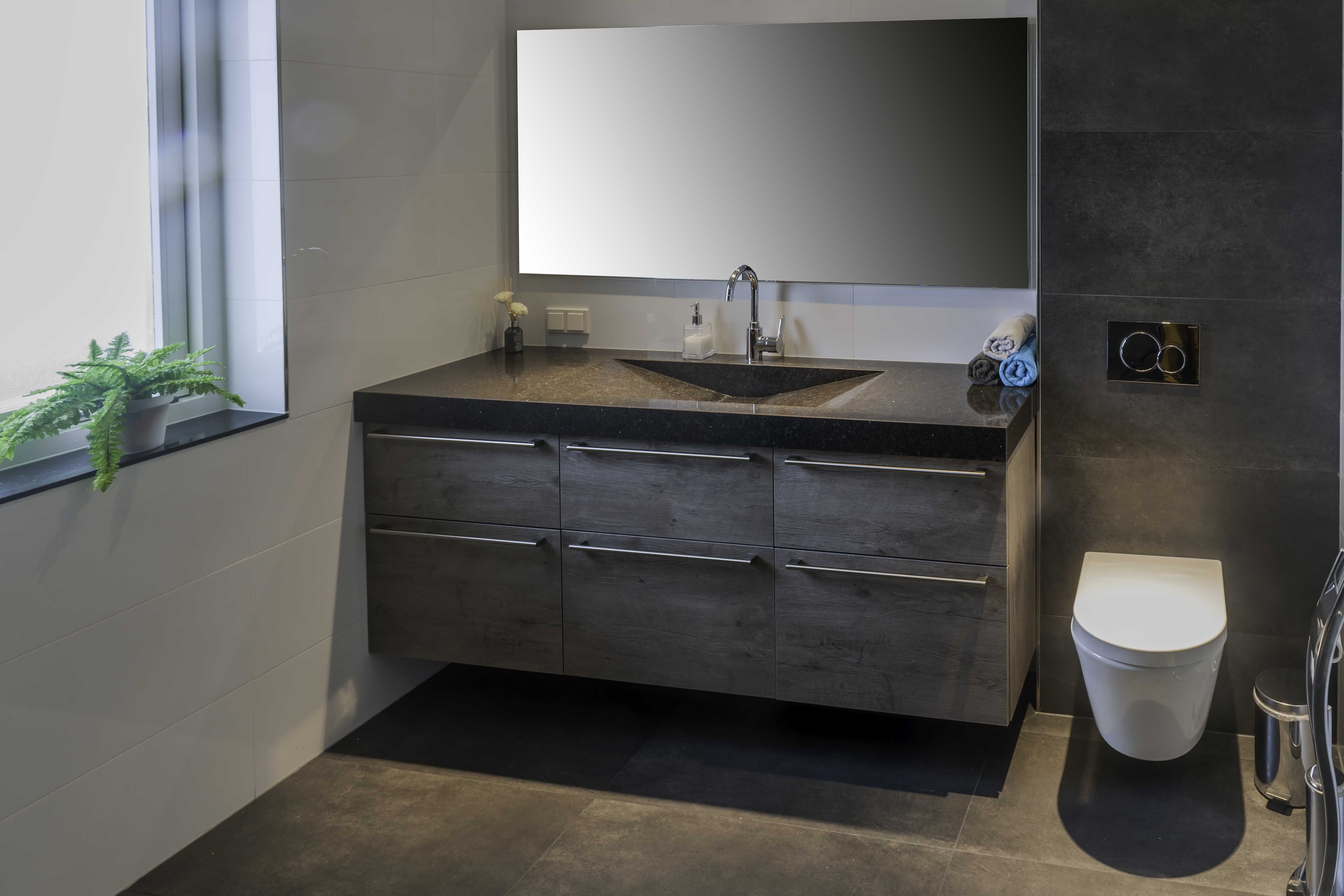 Badkamer showroom regio zeeland - Foto badkamer meubels ...